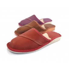 Closed Toe Leather Slippers SOFTELLA